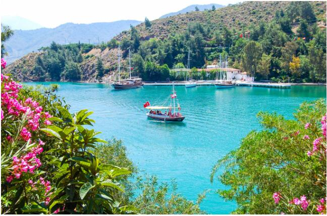 FLIGHTS, ACCOMMODATION AND MOVEMENT IN MARMARIS
