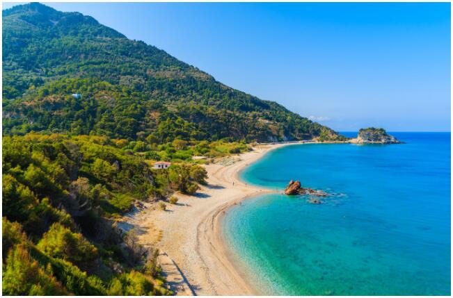 Samos has more than 200 beaches